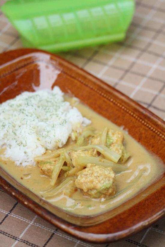 白菜と肉団子の練乳カレー